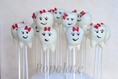 Teeth cake pops