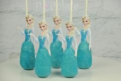Elsa cake pops