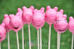Peppa Pig family cake pops