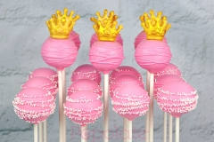 Princess with gold crown cake pops