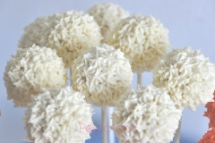 Sass Bondi Petal Piping Cakepops