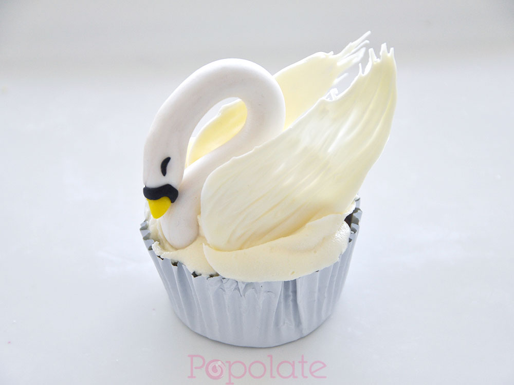Swan and flamingo cupcakes mini class